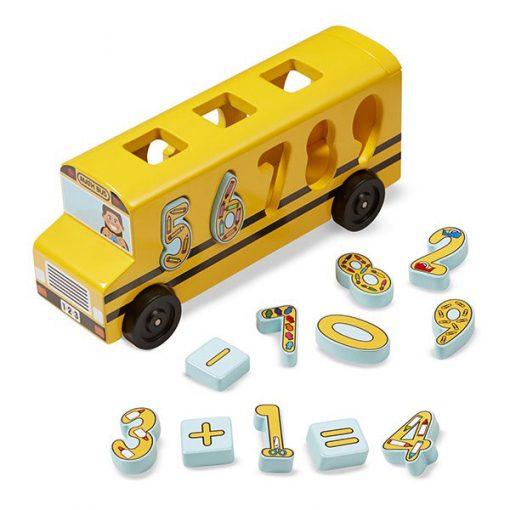 Drevený autobus s číslami 1