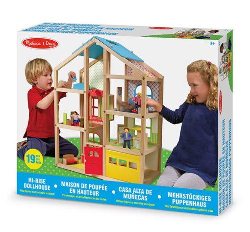 Drevený domček so zariadením 2
