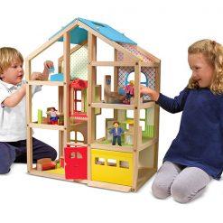 Drevený domček so zariadením 3