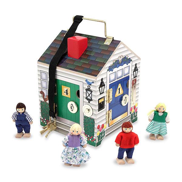 Drevený domček so zvončekom a s kľučkami 1