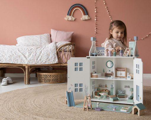 Drevený domček pre bábiky Little Dutch 11