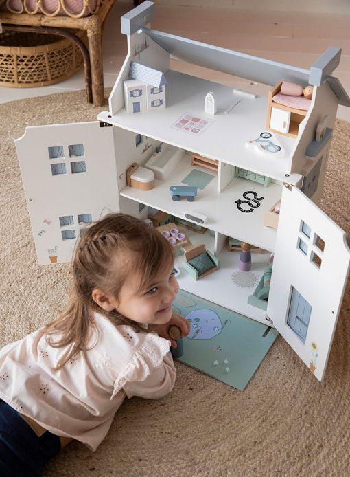 Drevený domček pre bábiky Little Dutch 15