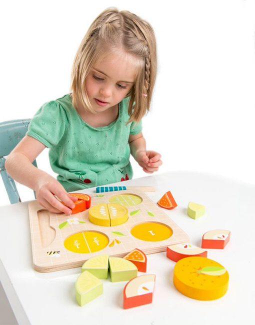 Tender Leaf Toys Drevené Puzzle Ovocie 3