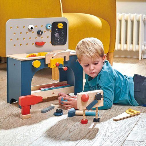Tender Leaf Toys Drevený pracovný pult s robotom 3